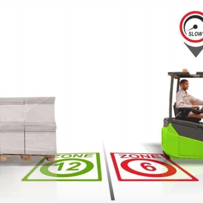 Limitation automatique de la vitesse en entrepôt